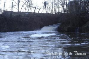 cascade-du-lac-de-vioreau